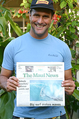 Capa do Jornal de Maui Foto : Carol Oliva