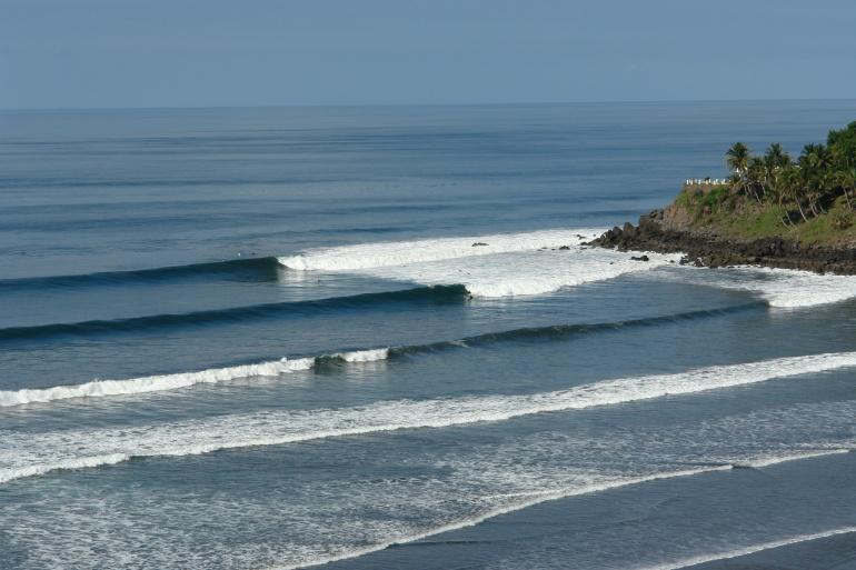 El Salvador é um dos lugares maisconstantes de ondas do mundo. Foto: magicseaweed.com