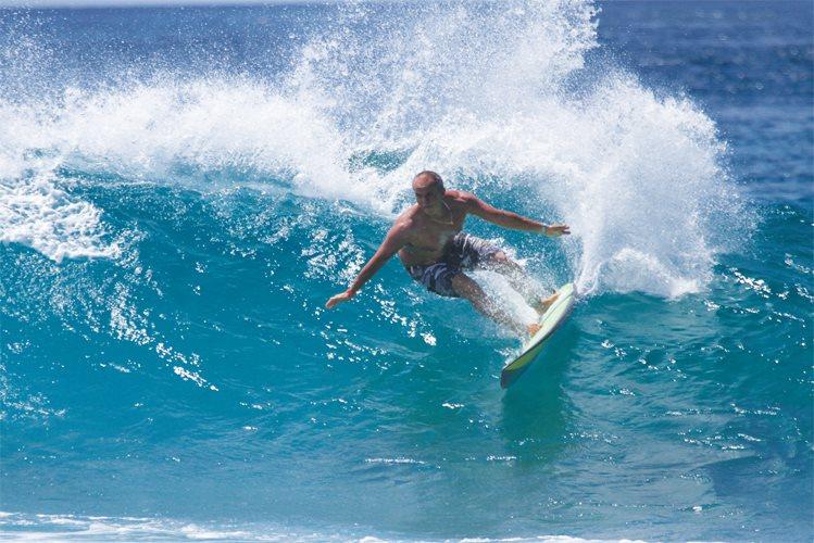 Daniel Friedmann é um dos grandes nomes da história do surf brasileiro. Foto ; Arquivo Alma Surf