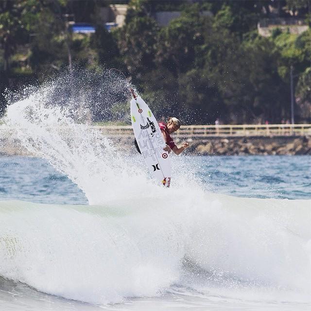 Kolohe Andino é umas das esperanças do surf americano. Foto ; Hurley