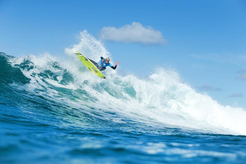 Mick Fanning surfou com muita velocidade e pressão, conquistando o seu quarto título em Bell's. Foto: WSL