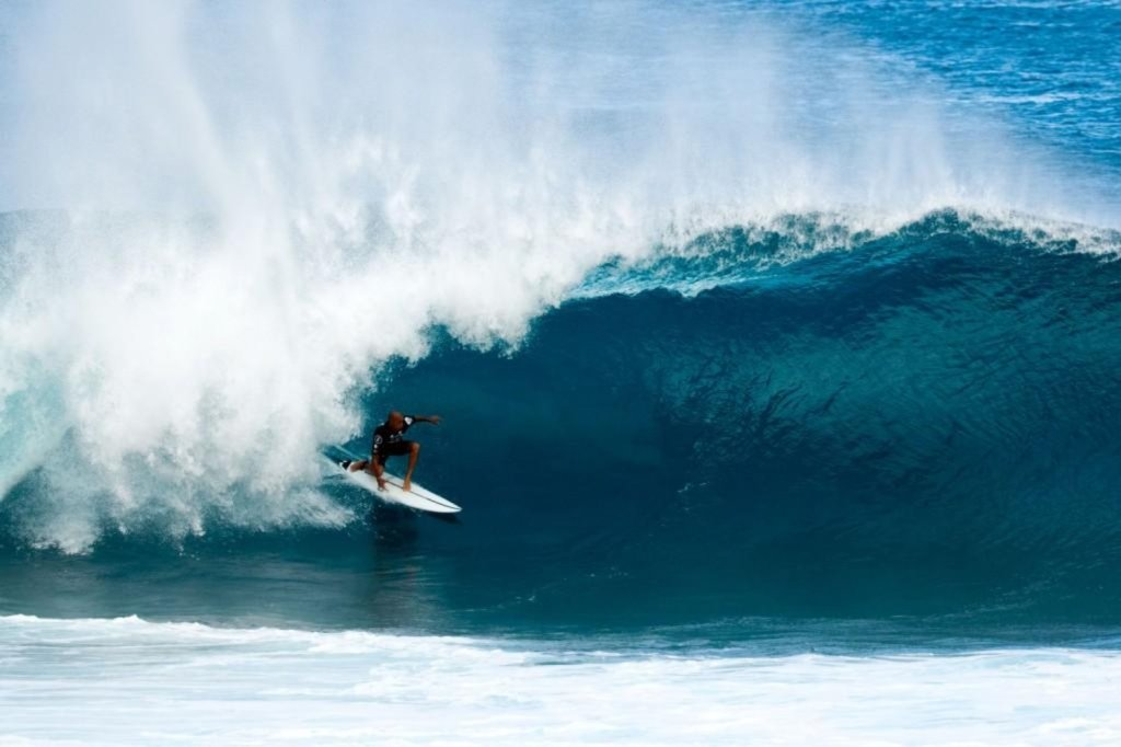 kelly-slater-volcom-pipe-pro-champ