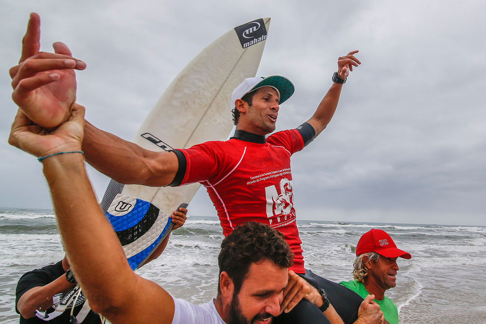 O atual campeão brasileiro, o baiano Bino Lopes, questiona a participação dele na triagem. Foto: Abrasp
